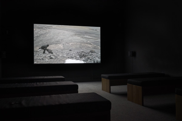 Installationsansicht: Julian Charrière, And the Post-Modern Collapse of Time and Space, 2013, Foto: N. Miguletz